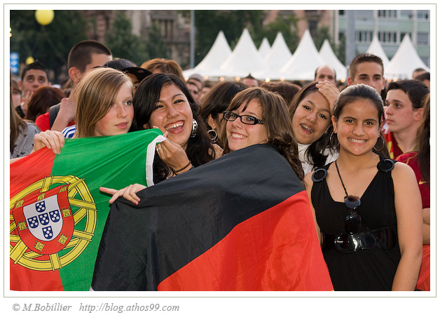 Supportrice Portugal Allemagne FanZone Genève Euro 2008